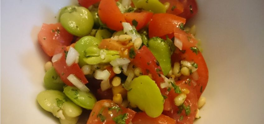 Dicke Bohnen Salat mit Tomaten
